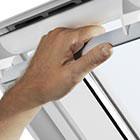 Centre-pivot manual windows