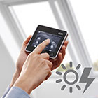 Centre-pivot solar windows