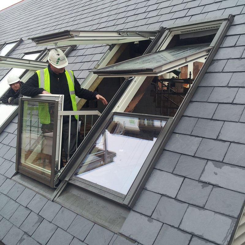 Fgh v p2 ca fakro balcony pine roof window 78cm x 255cm for Skylight balcony window