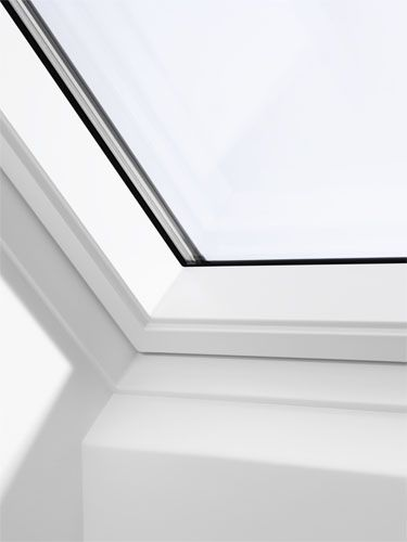 velux ggu sk06 0070 white centre pivot window laminated. Black Bedroom Furniture Sets. Home Design Ideas