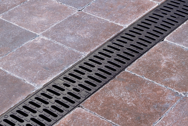 driveway and car park channel drain aco hexdrain. Black Bedroom Furniture Sets. Home Design Ideas