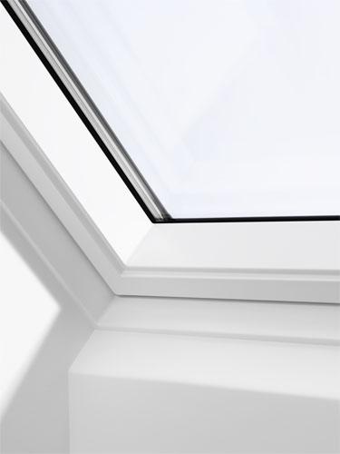 velux ggl mk04 2070 white centre pivot window laminated. Black Bedroom Furniture Sets. Home Design Ideas